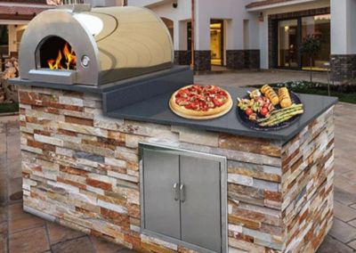 Stonehedge_Pizza_Oven_with_stone_veneer